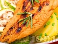Печена риба хек на фурна с портокалов сок и задушени картофи и тиквички под фолио